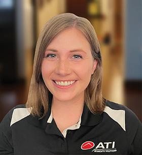 Kelly Van Kampen Headshot